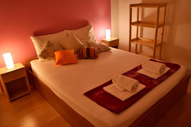 Rooms and Apartments Galeb